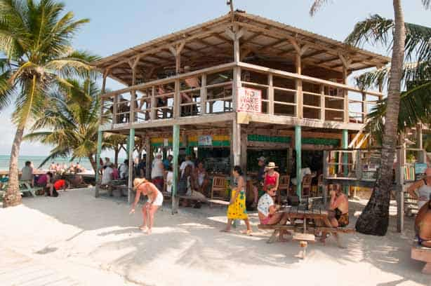 The Lazy Lizard Beach Bar
