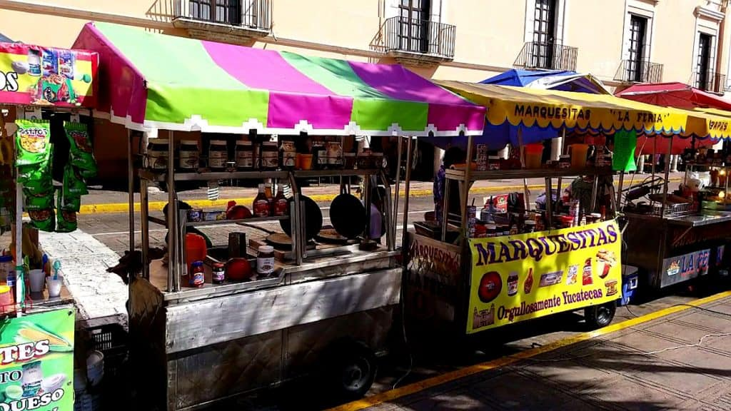 Merida en Domingo Street food