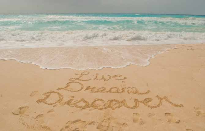 Live Dream Discover in the sand in Cancun