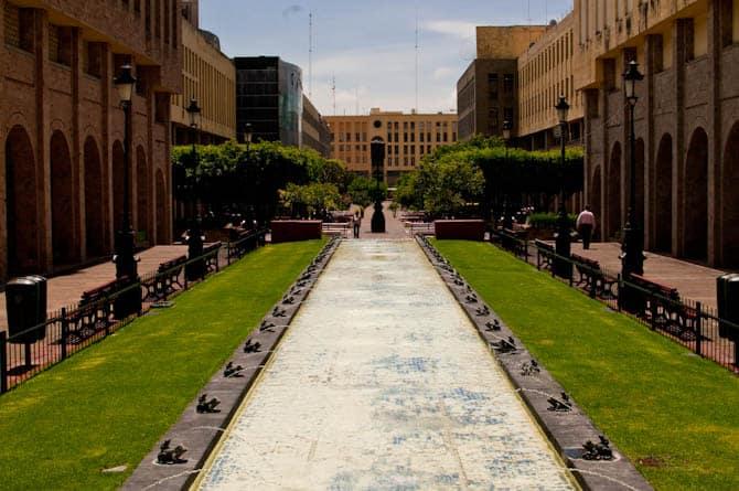 Things to do in Guadalajara Mexico: Plaza Tapatia