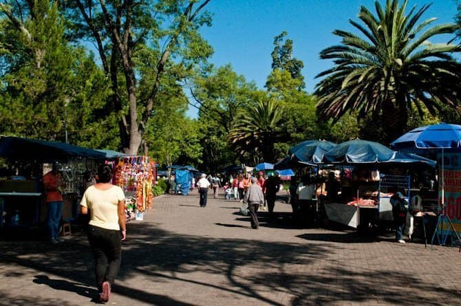 Food stands in Chapultepec Park: Guide to Mexico City
