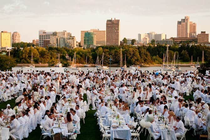 Dinner en Blanc