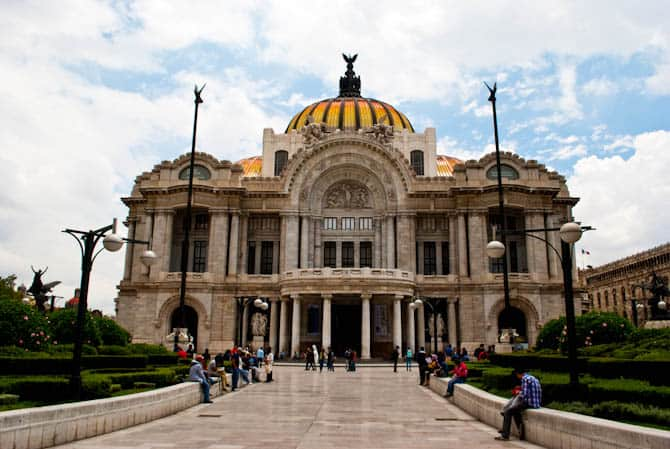 Exterior of the Palacio de Bellas Artes Mexico City