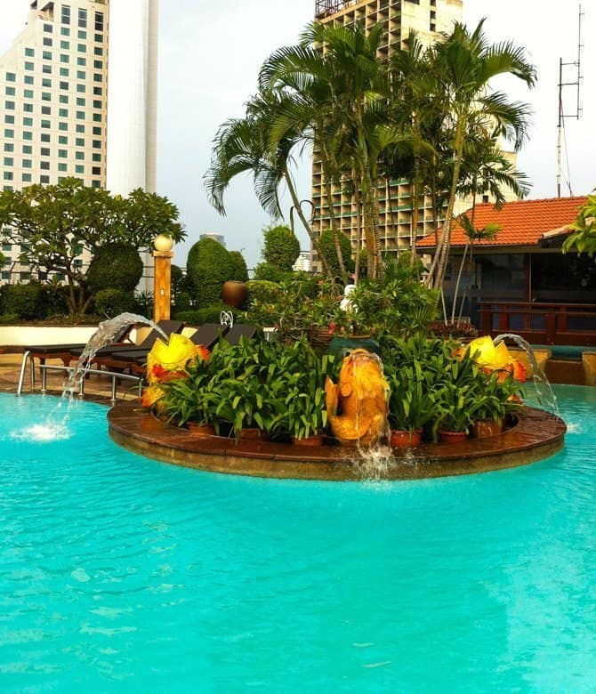 Windsor Suites Bangkok breakfast pool view