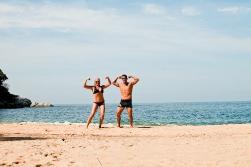 ways to stay fit while traveling