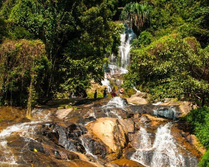 nu-muang-waterfall 10 most beautiful national parks in thailand