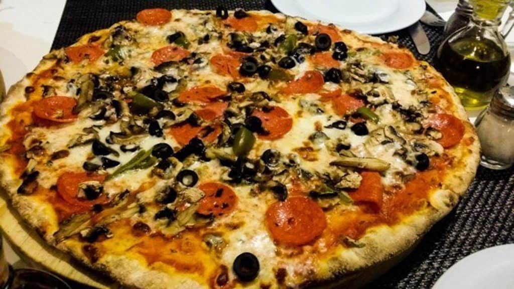 Best Italian restaurants in Playa del Carmen: La Famiglia pizza