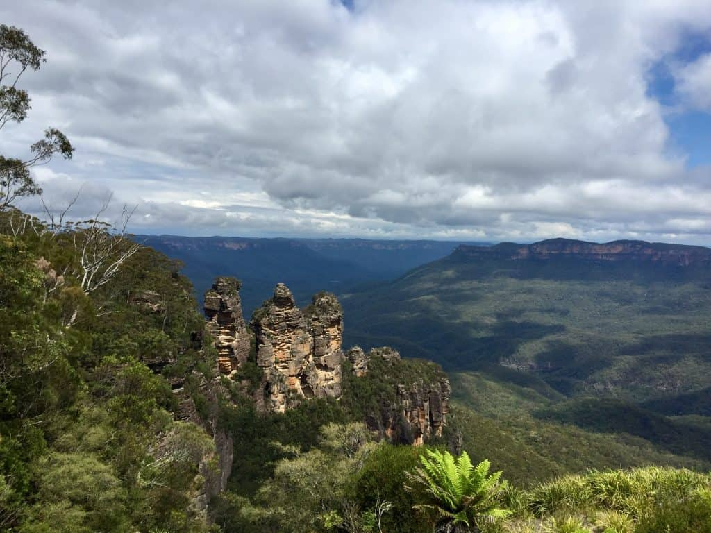 Great Hikes in Australia three-sisters-blue-mountains