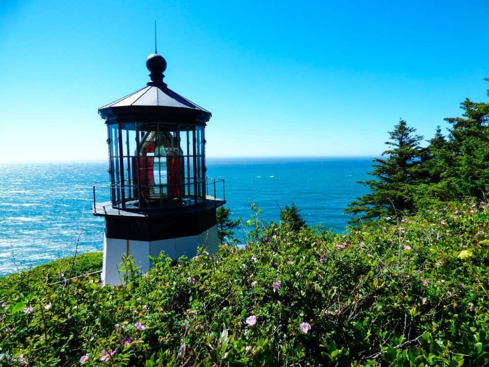 Meares Lighthouse Coastal towns in Oregon