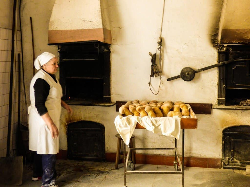 Favaios Bakery