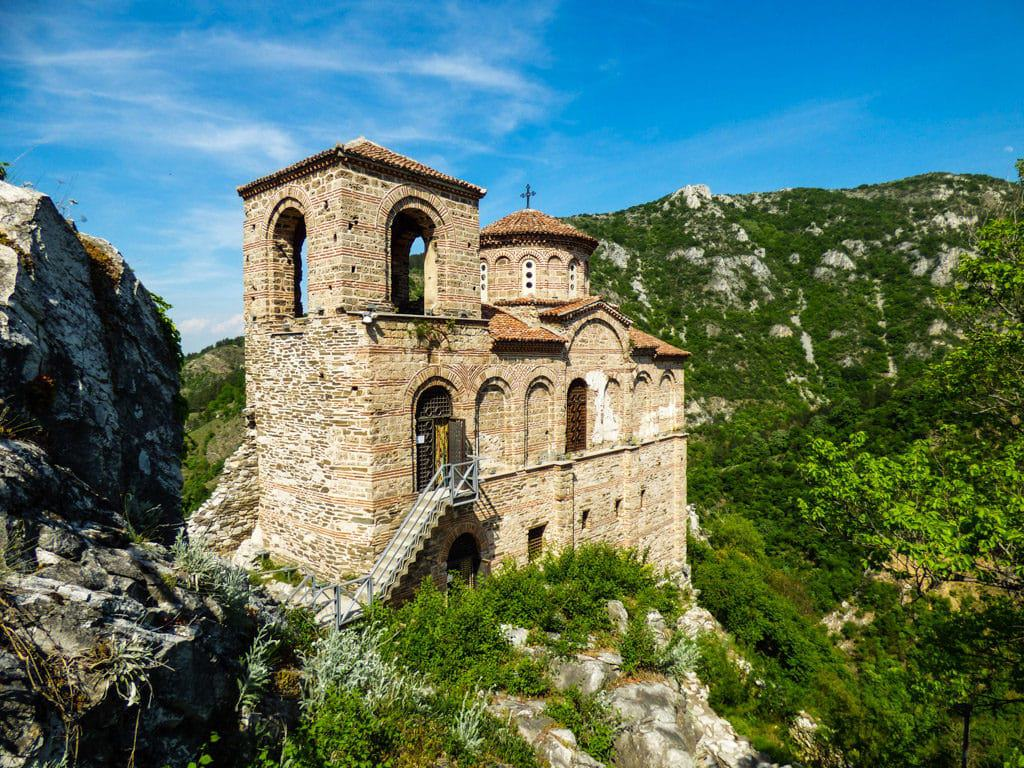 The remains of the church of Asen's Fortress perched atop a sheer cliff