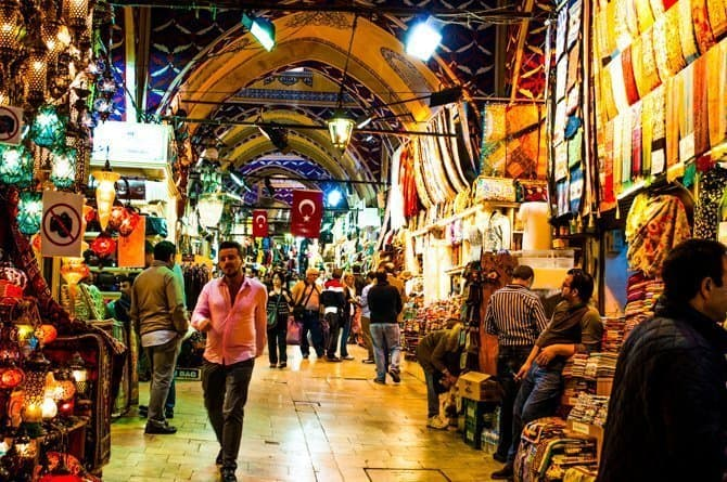 Stands at Istanbul market
