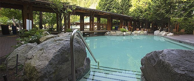 Harrison Hot Springs Resort & Spa Pool