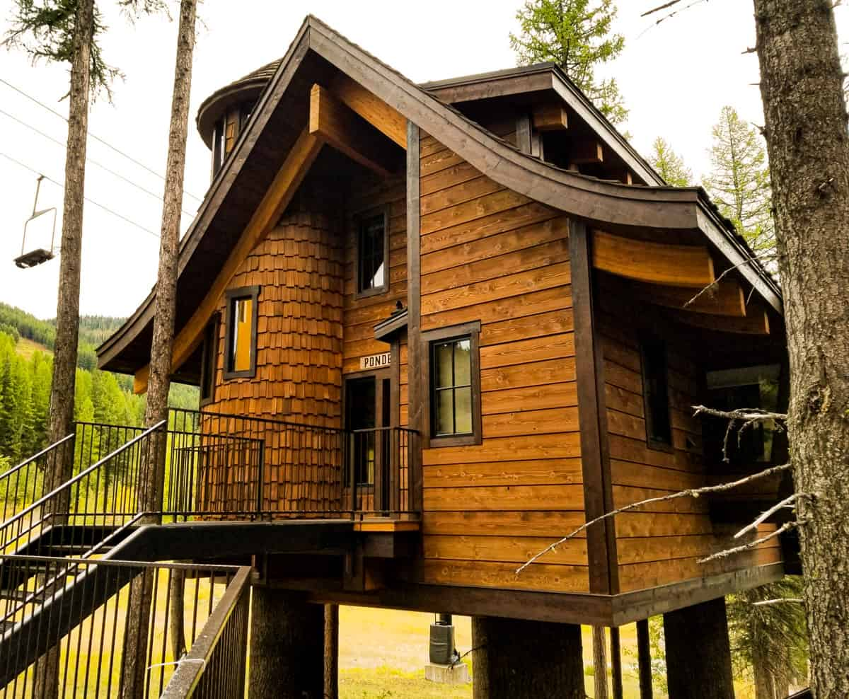 Cedar sided chalet in the trees