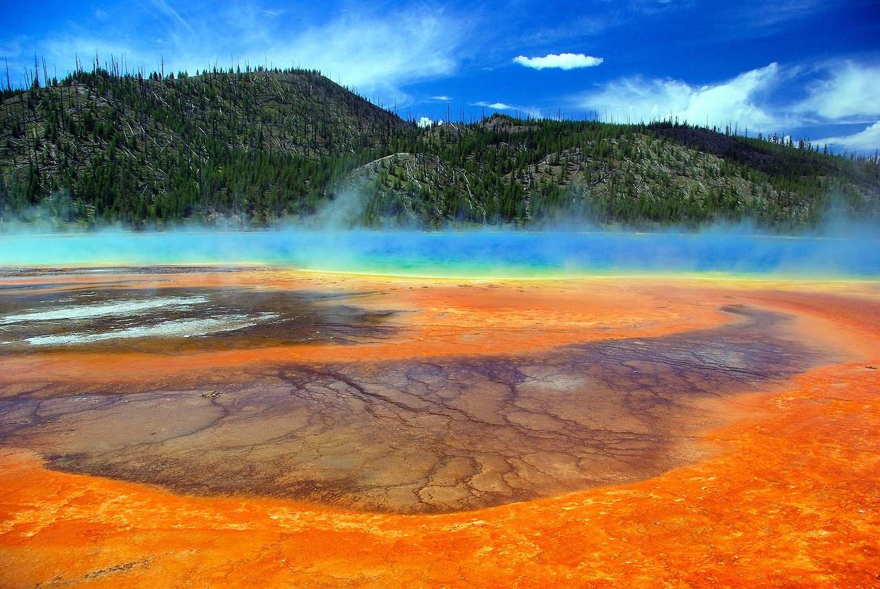 Best time to visit Yellowstone in fall